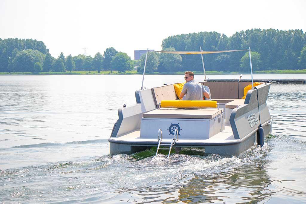 Het 'Nieuwe Varen' met de Qrafter loungeboot