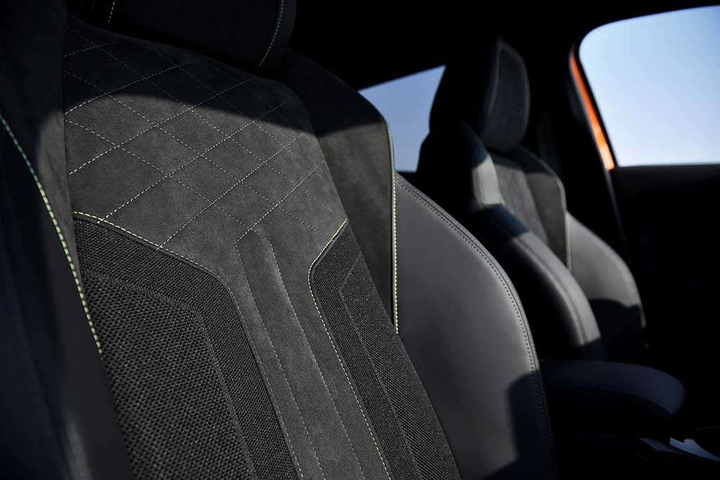 Match the Car... Peugeot e-2008 SUV