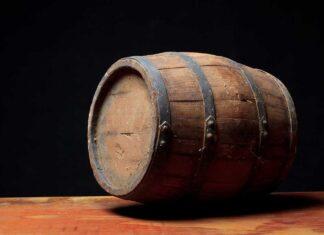 Wijnkoperij Huub Oostendorp - Fotografie iStockphoto